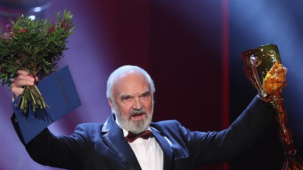 Čestné divadelní ceny Thálie dostali Ladislav Mrkvička i Zdeněk Svěrák