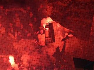 Fanoušci Dortmundu v Edenu při utkání Ligy mistrů.