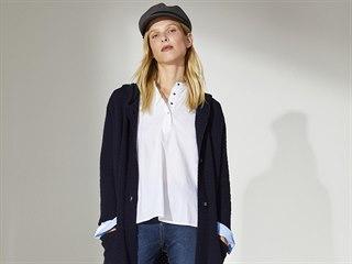 Tmavěmodrý dlouhý kardigan si báječně rozumí s bílou košilí a džínami. Pro...