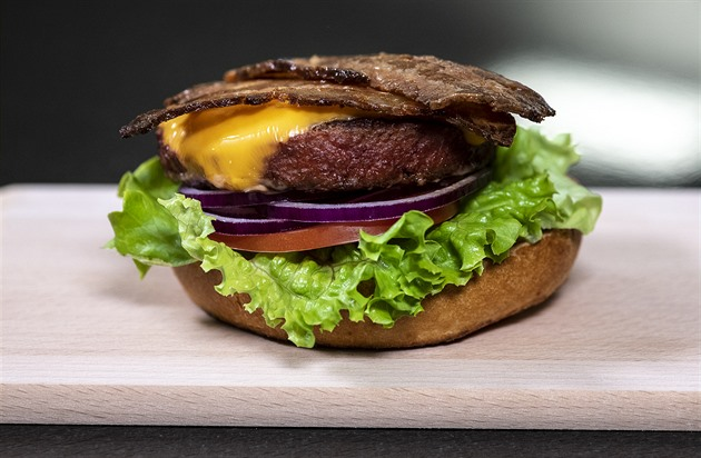 """Rostlinné burgery od Nestlé už nebudou """"neuvěřitelné"""". Uhnou konkurenci"""