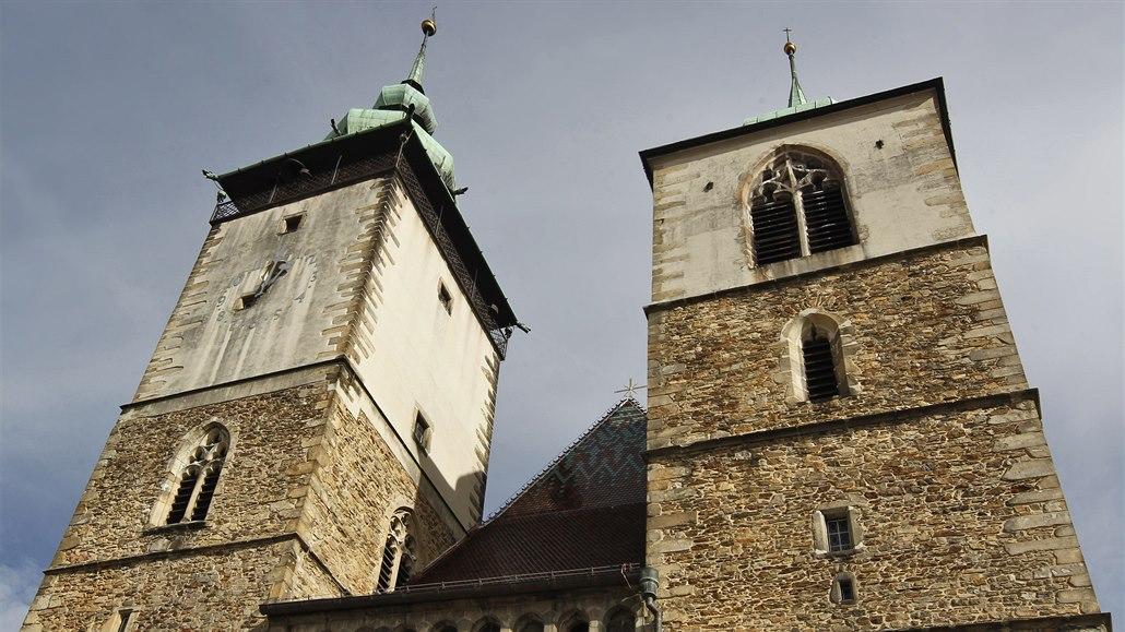 Jihlavu lze znovu vidět z věže sv. Jakuba, má opravenou střechu i ochoz
