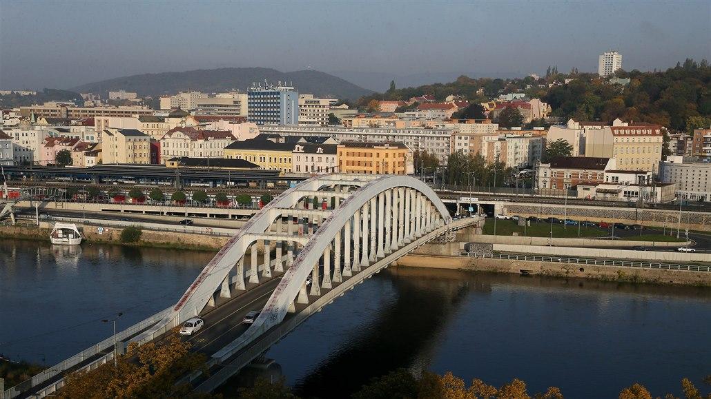 Oprava ústeckého Benešova mostu se odsouvá, nový termín zatím určen není