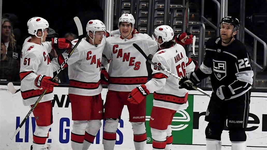 Perfektní spolupráce, užívá si Nečas NHL. S Mrázkem rekordně vítězí
