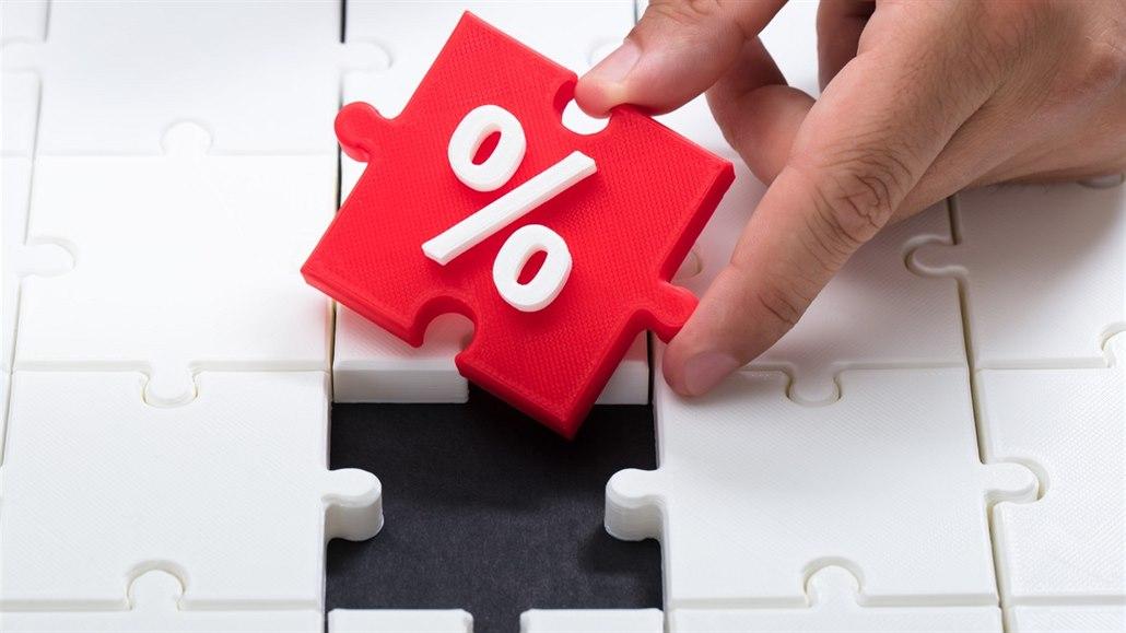 Sazby hypoték prudce padají. Hypoteční trh však příliš neožívá