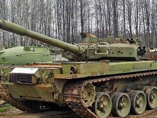 Tank Objekt 187 (věž je otočena dozadu). Třetí prototyp s nejvýkonnějším...