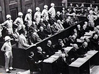 Norimberský proces s nacistickými válečnými zločinci. (1945)