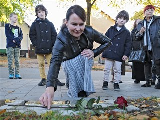 V Polné přibylo dalších pět pamětních kamenů za války deportovaným a...