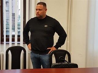 Čtyřiatřicetiletý Čeněk Pazderka může skončit ve vězení za podvody a zpronevěru...