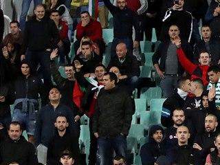 Pohled do kotle bulharských příznivců, kteří během kvalifikace s Anglií...