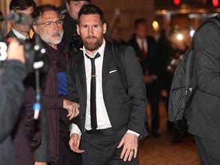 Největší hvězda barcelonských fotbalistů Lionel Messi po příletu do Prahy.