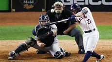 Momentka z baseballového duelu Houston Astros - New York Yankees