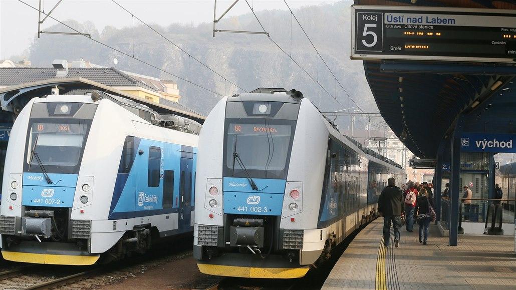 Asijské vlak sex videa