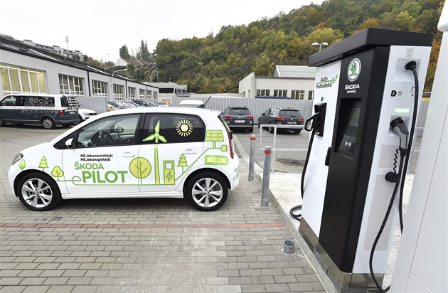 Příprava na elektromobilitu: prodejci budují karantény a obří powerbanky