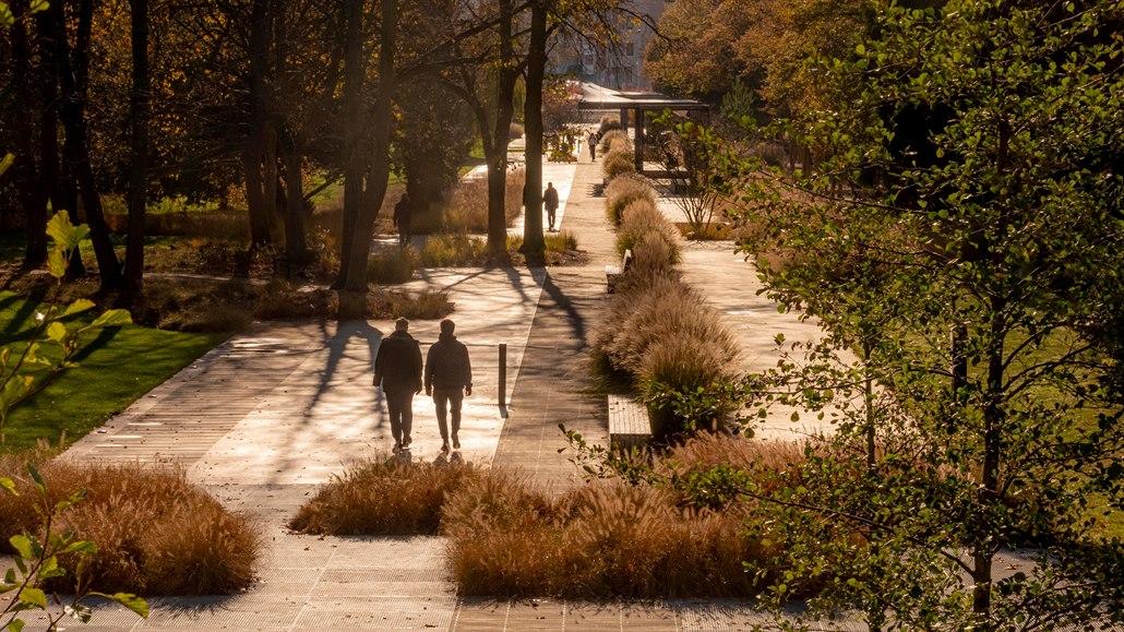 Parkem roku zvolila odborná porota zvelebené Tyršovy sady v Pardubicích