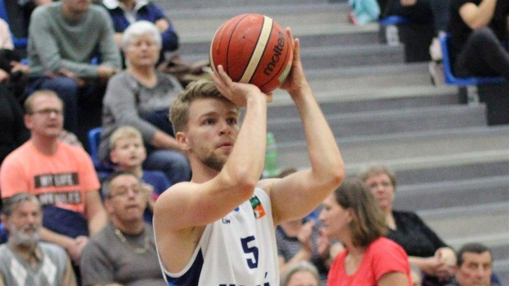 Svejcar pomohl basketbalistům Ústí zlomit sérii proher