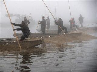 Podzim je sezonou nejen pro myslivce, ale i pro rybáře. Jak to vypadalo, když...