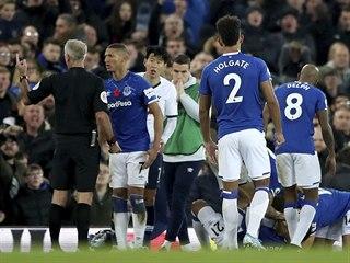 Reakce fotbalistů Evertonu a Tottenhamu poté, co si André Gomes zlomil kotník.