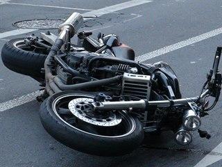Na pražském Hořejším nábřeží při nehodě zemřela žena a zranil se motorkář. (8....