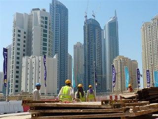 Dubaj je vystavena rukama dělníků z Bangladéše, Pákistánu nebo Indie, kteří tu...