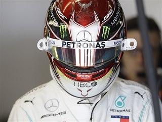 Lewis Hamilton z Mercedesu během tréninků v Austinu