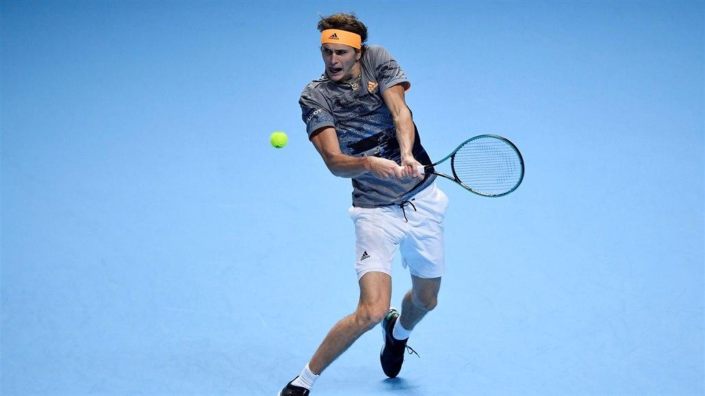 Turnaj mistrů: Zverev hladce porazil Nadala, Tsitsipas zdolal Medveděva
