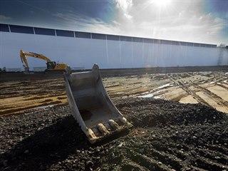 Stavba nové průmyslové haly v areálu bývalých strojíren na Švédském vrchu.