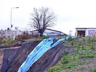 Oprava propadlé silnice mezi karlovarskými městskými částmi Sedlec a Rosnice se...