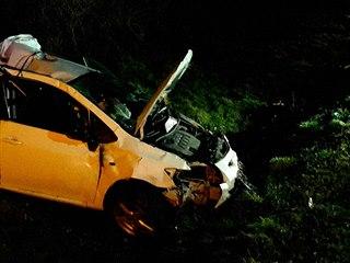 Na dálnici D2 auto srazilo divočáka, následně do auta narazil kamion (15....
