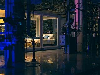 Noc v továrně Maserati v Modeně
