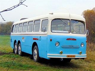Renovovaný autobus Tatra 500 HB - 138
