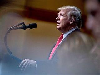 Americká prezident Donald Trump hovoří na Ekonomickém klubu města New York....