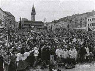 Do Znojma, které bylo vždy považováno za levicové město, přišla sametová...