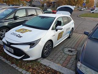 Poničené vozidlo Taxi GT.