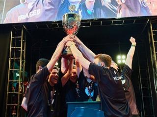 Z triumfu se ve hrách Counter-Strike: Global Offensive i PUBG radoval tým...