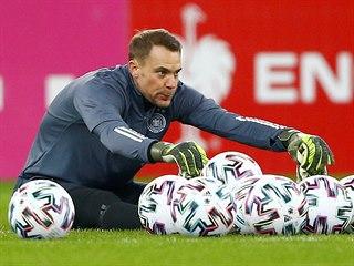 Německý gólman Manuel Neuer během tréninku