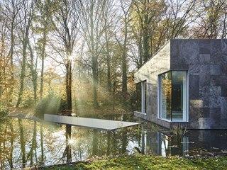 Heirman často vyhledává belgické umělce a vytváří dojem zahrady, která...
