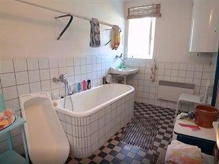 Koupelna z 60. let v domě po babičce Kamile nevyhovovala.
