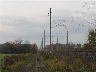 Zloději kovů kradli na železniční trati v Suchdole.