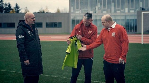Fotbalová reprezentace představila nové venkovní dresy