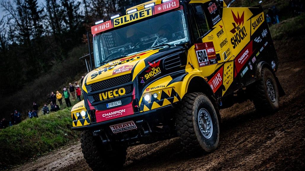 Karel s Anežkou míří na Rallye Dakar. Martin Macík nás před odjezdem svezl