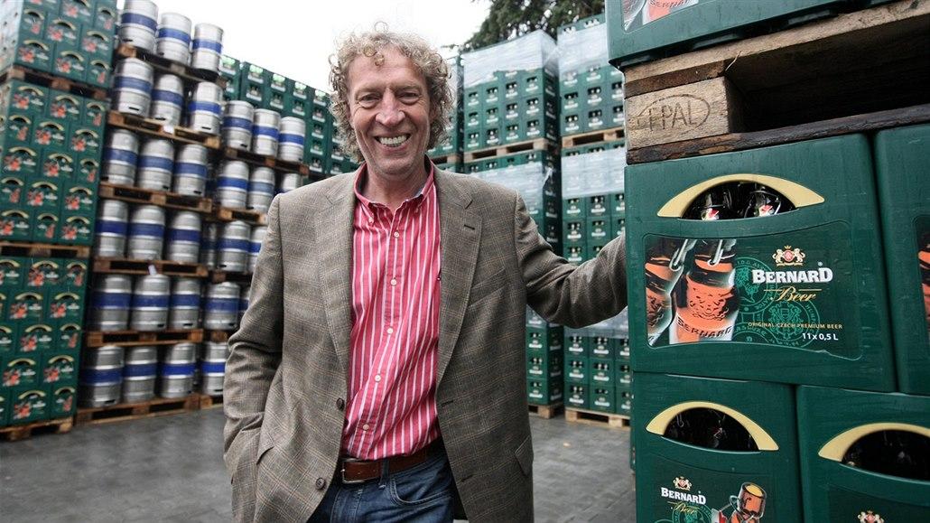 Majitel pivovaru Stanislav Bernard je zastupitelem Humpolce, při hlasování se zdržel.