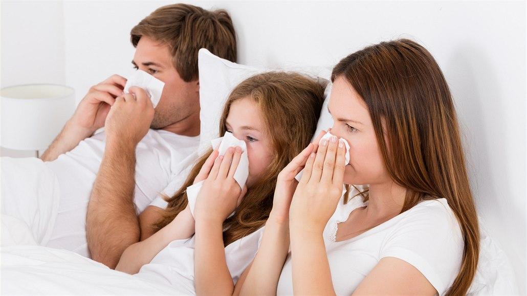 V zimě alergiky nejvíc trápí roztoči a plísně. Jak na ně vyzrát