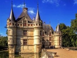 Azay-le-Rideau s romantickým parkem je klenotem rané renesance.