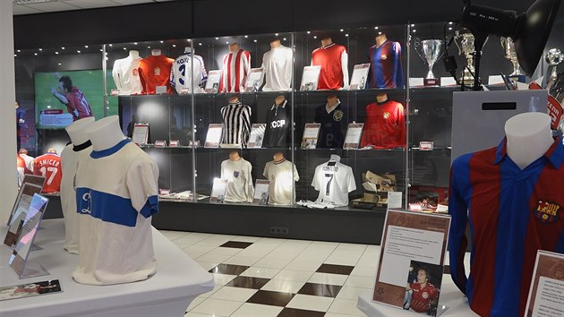 V muzeu Slavie vystavují dresy držitelů Zlatého míče