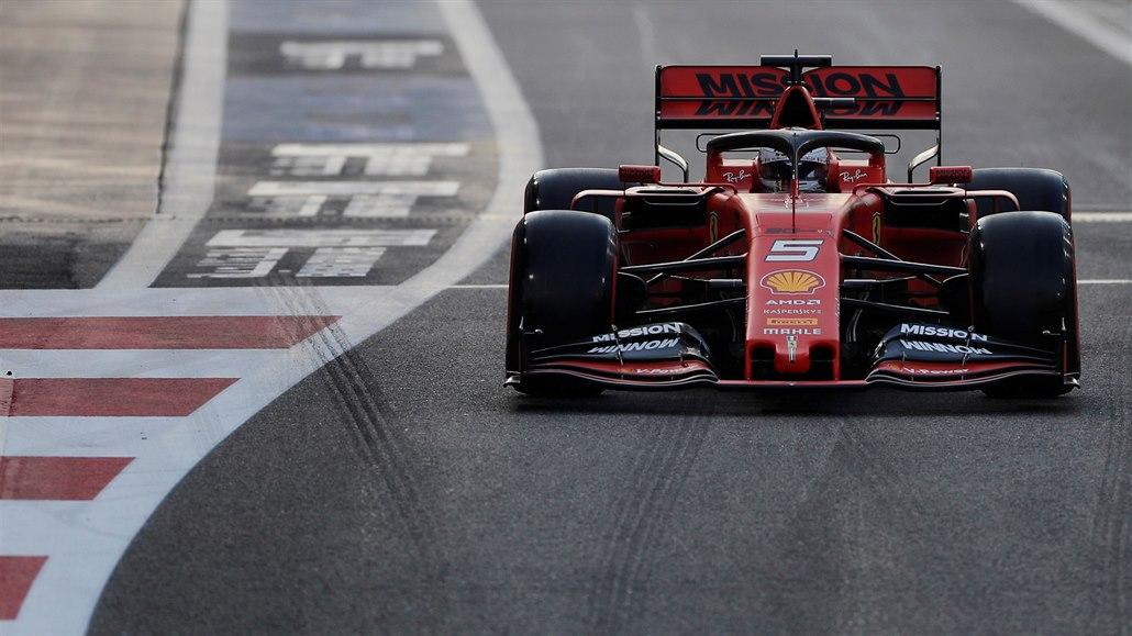 Formule 1 má plán záchrany: efektivní dvoutakty a syntetické ekopalivo