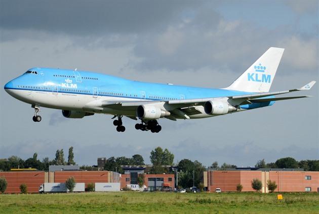 KLM po přeletu Atlantiku otočila letadlo kvůli sopce i koním na palubě