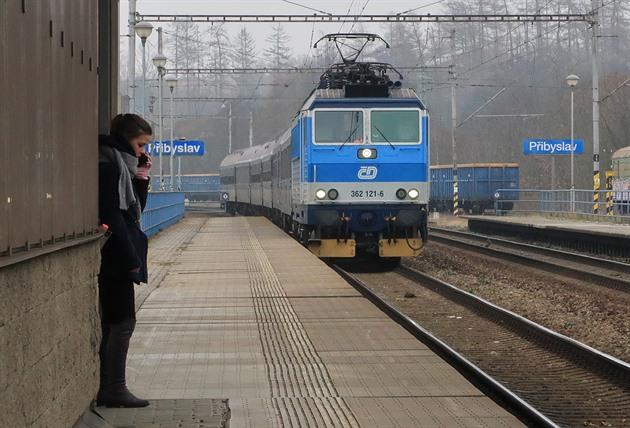 Na železnici platí nový jízdní řád, České dráhy přichází o regionální spoje
