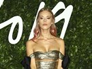 Dýdžejka Lady Mary Charteris na British Fashion Awards (Londýn, 2. prosince...