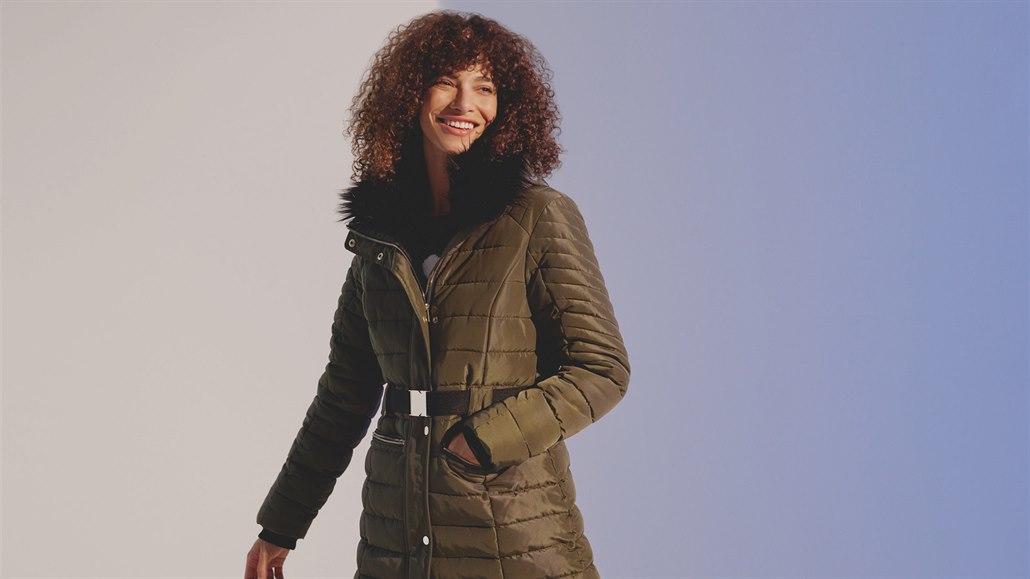 Vyberte si správně péřovou bundu či kabát podle typu postavy