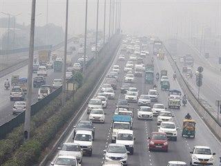 Dopravní zácpa v indickém Gurugram.